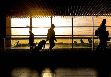 Viaggio di lavoro: la compensazione spetta al passeggero